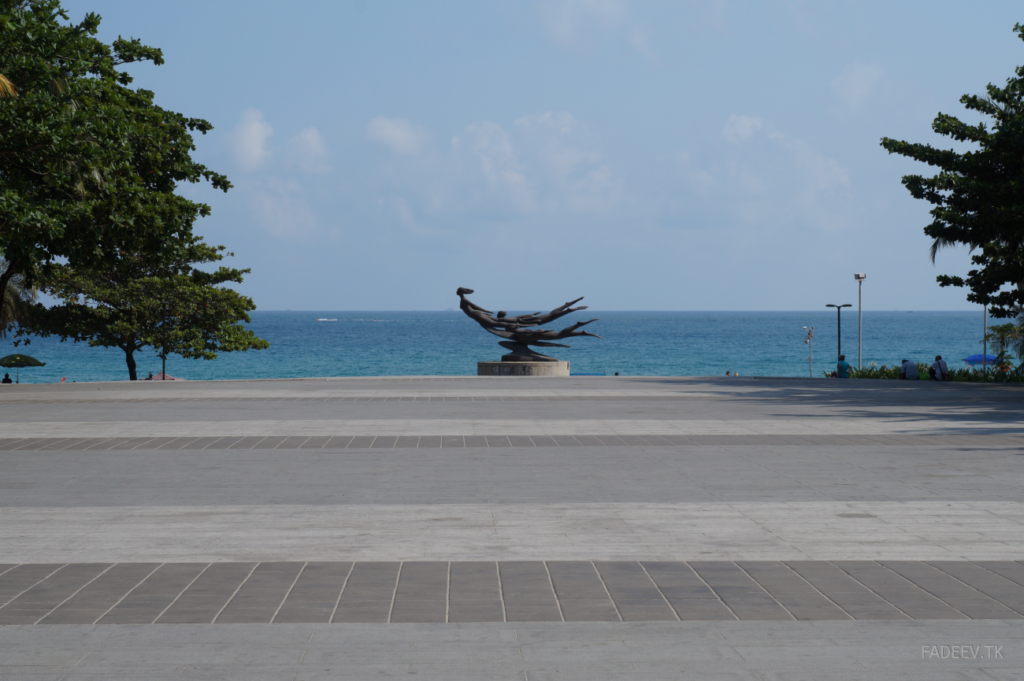Statue of swimmers in Da Dong Hai Park, Sanya, Hainan Island, China